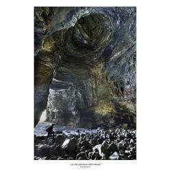 080. Cueva de la Iglesiona. Faro de Vidio. Asturias.