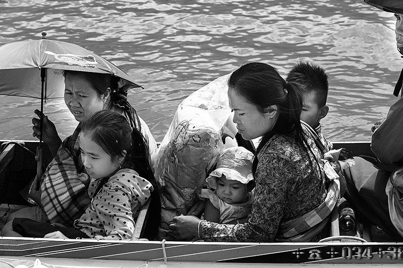 Cruzando el Mekong, Laos