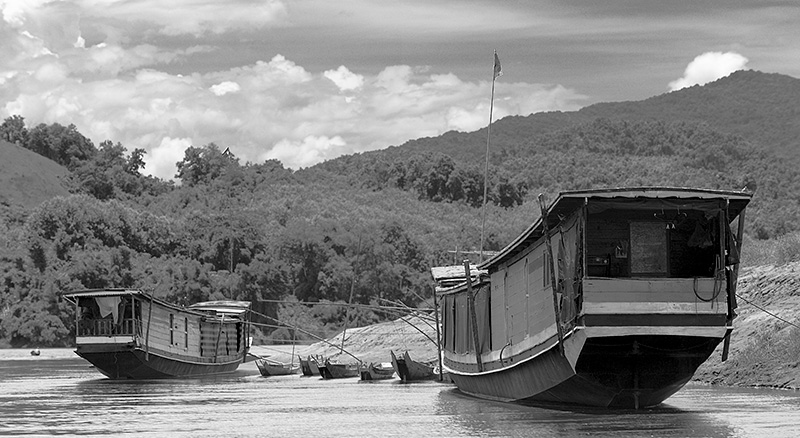 Embarcadero, rio Mekong, Laos