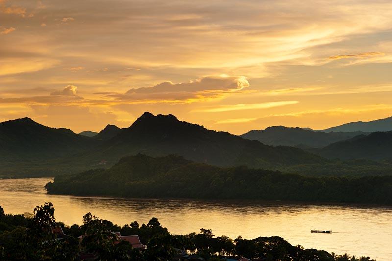 El Mekong a su paso por Luang Pradang, Laos