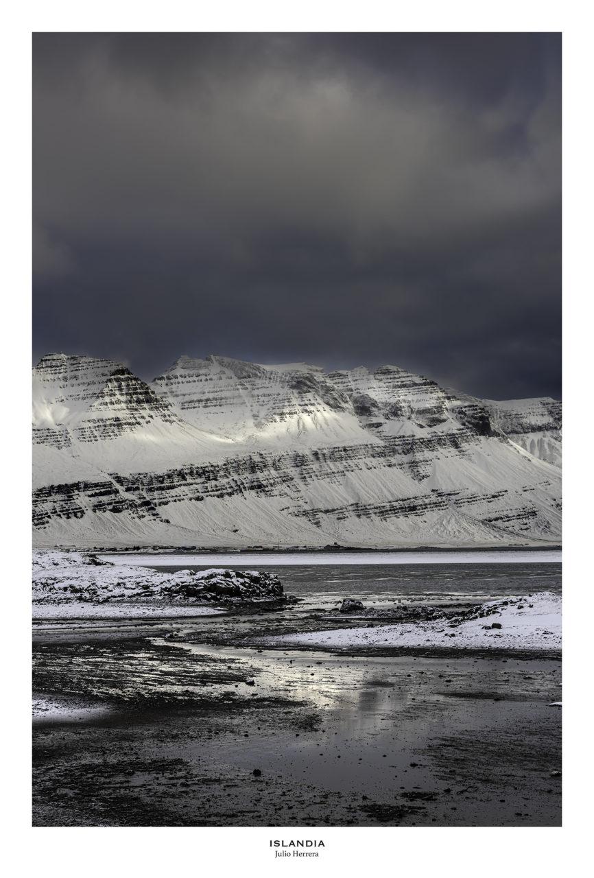 Paisaje nevado de Islandia.