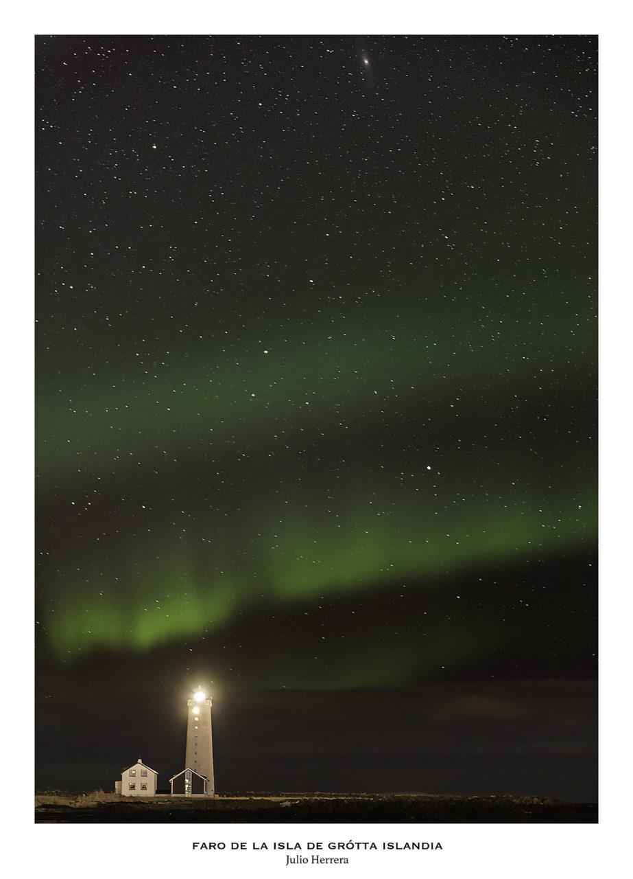 Aurora boreal en el faro de la isla de Grótta en Islandia.