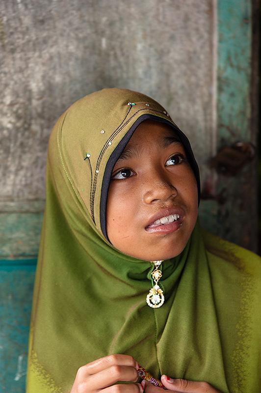 Mujer joven en Koh Kong. Camboya