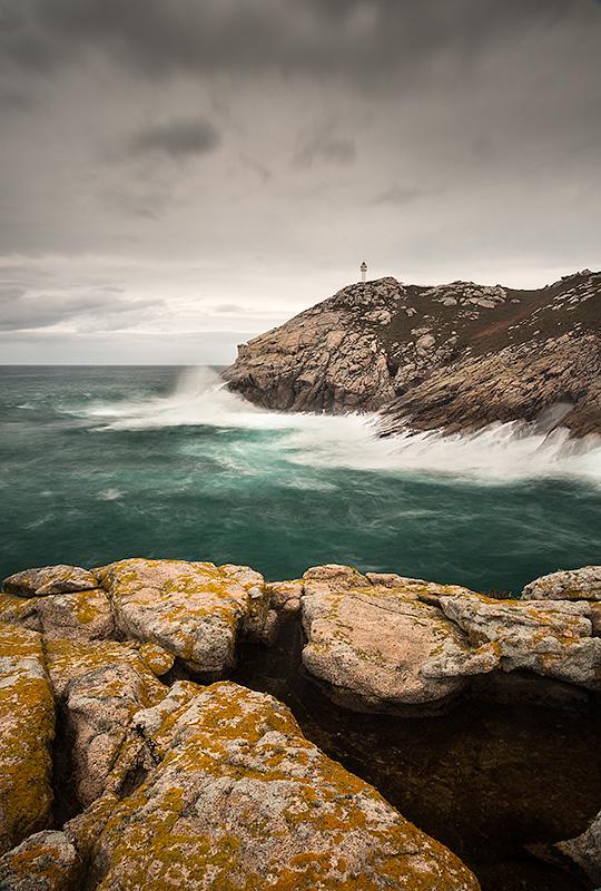 Faro de la Punta Roncadoira. Galicia. Spain