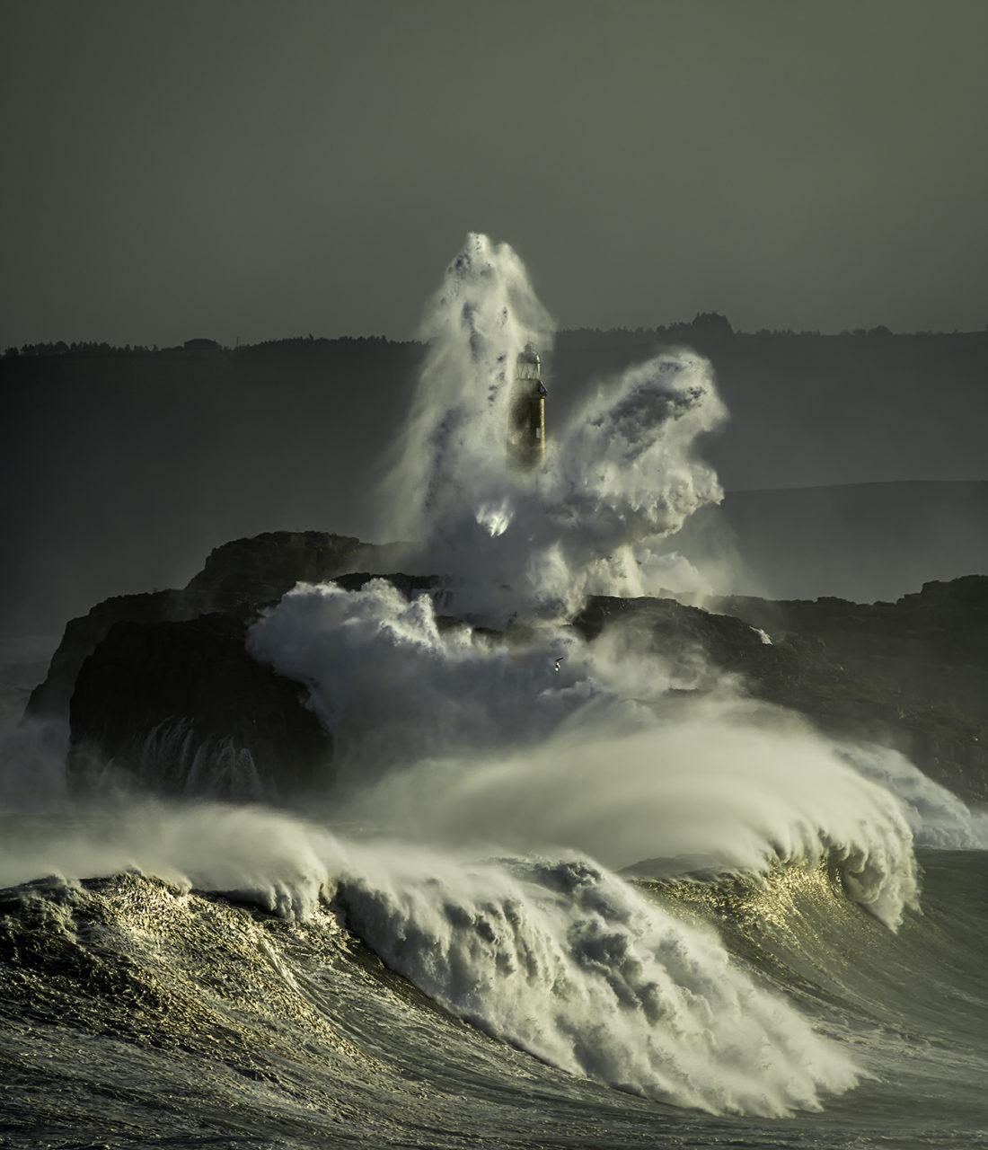 Faro Isla de Mouro. Santander.