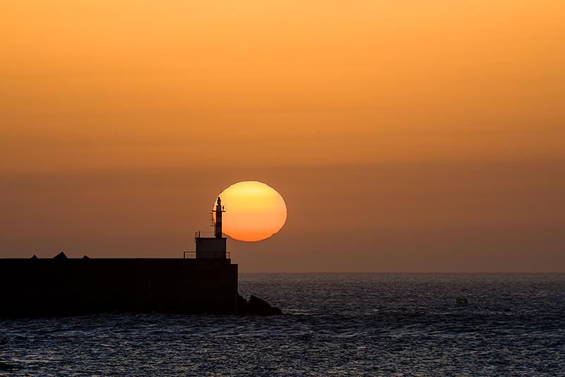 Últimos seguntos. Faro de San Esteban de Pravia. Asturias. Spain.